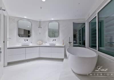 South perth_ bathroom tub