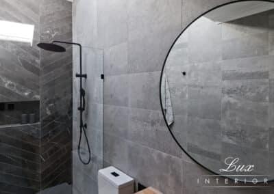 StJames_bathroom shower and mirror