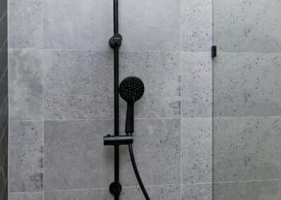 StJames_bathroom shower head