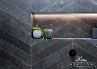 StJames_bathroom shower plant feature