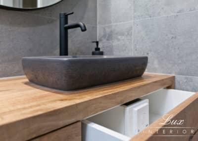 StJames_bathroom tapware and details