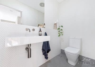 14-city-beach-powder-room