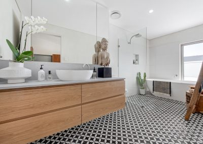 45-city-beach-ensuite_header