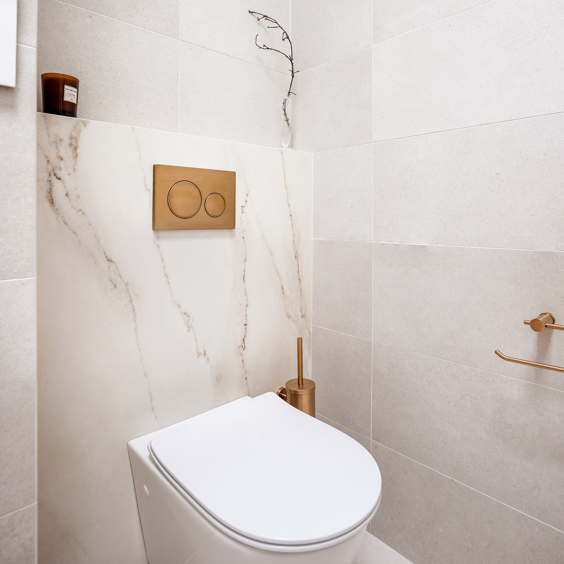 Mount Lawley Traditional Skylit Ensuite - Wall hung toilet with brass accessories